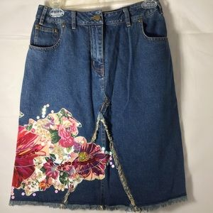 Silk Club Embroidered Sequin Appliqué Jean Skirt